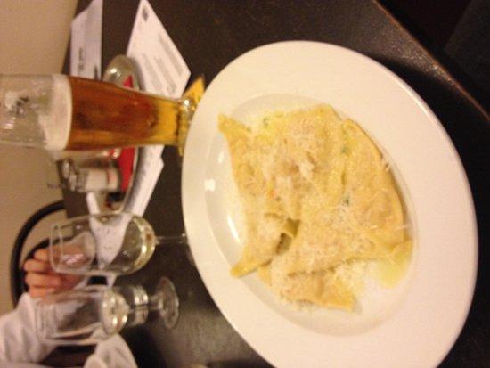 Avia Café Restaurant: Ravioli