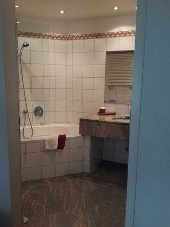 Hotel Deutscher Hof: Bathroom