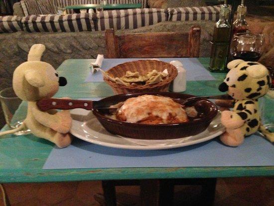 eldorado : Luscious Lasagne with Gorgeous Garlic Bread