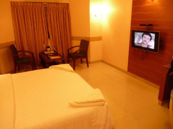 Shree Guru Residency: Room