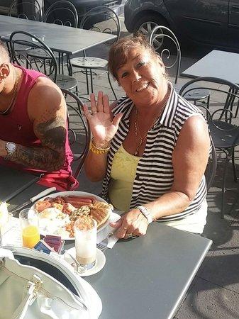 Bar-Pasticceria-Gelateria-Rosticceria F.lli De Maio : English breakfast at bar de Maio!!!Good Morning!