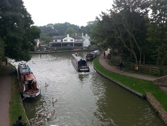 Looking North Up The Grand Union Canal Picture Of Foxton Locks Foxton Tripadvisor