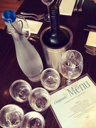Chapman's Seafood Bar & Brasserie: Great Pinot Grigio