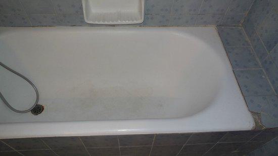 Elounda Princess: baignoire sale