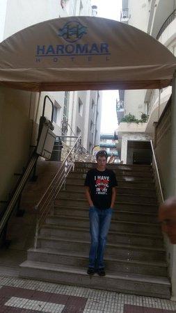 Haromar Hotel : Вход в отель