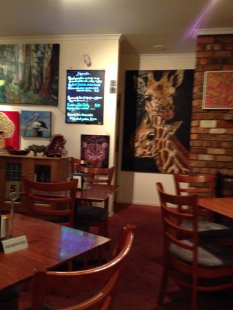 Dixons Creek Cafe Bar & Grill: Art work displayed in this great cafe.