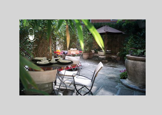 Corte 1321 : Courtyard