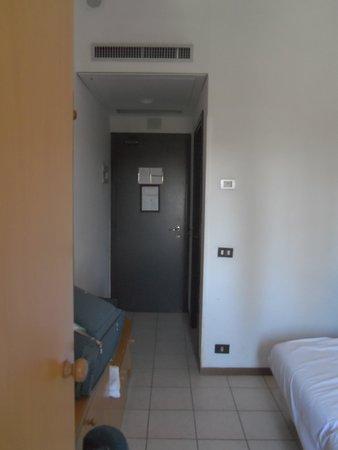 Excel Hotel Roma Montemario: camera