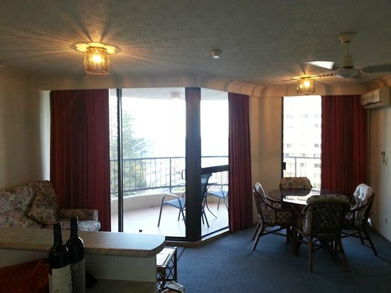 Warringa Surf Apartments: Level 6, 1 bedroom apartment