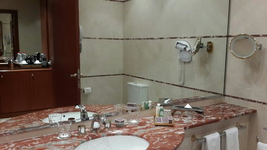 Large bathroom with high quality toiletries and Bulgari body lotion ...