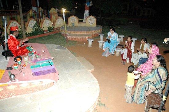Dhola-ri-Dhani: Dhola- ri -Dhani  Rajasthani bhopa bhopi dance...