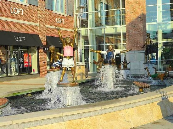 Statue Picture Of Streets At Southpoint Durham Tripadvisor