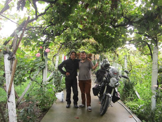Florian Shkodra Guesthouse and Hostel : Me, Florian aka Spartacus and the Black V