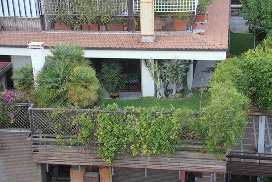 Il Cantico: bizzarri balconi nei dintorni