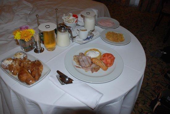 The Boardwalk Hotel: Room service breakfast