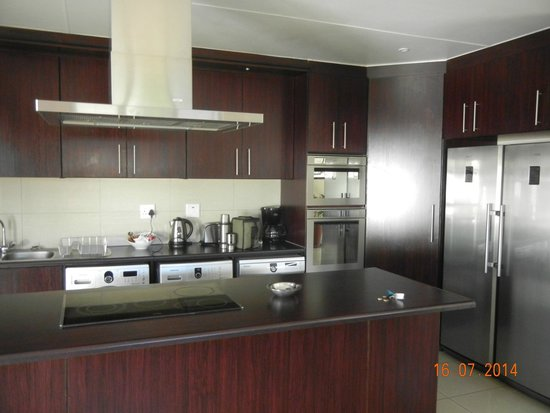 Arebbusch Travel Lodge : Kitchen