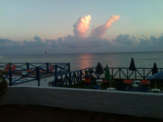 Christiana Beach Hotel : Frühstücksterasse, Aussicht ist traumhaft!