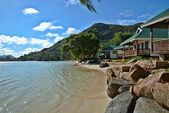Iles des Palmes Eco Resort: Strand mit Häuschen