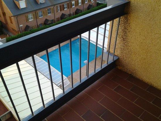 Hotel Oroel : vue depuis le balcon de la chambre