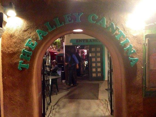 Alley Cantina : Entrance to a fun evening