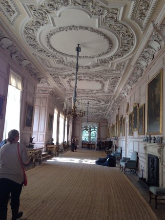 Sudbury Hall: The portrait room, where Elizabeth Bennett in Pride and Prejudice sees Mr. Darcy's portrait. Por