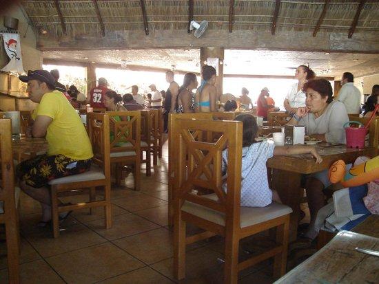 Hotel Vista Playa de Oro Manzanillo : area de comedor de abajo