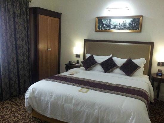 Royal Park Residence : Bedroom