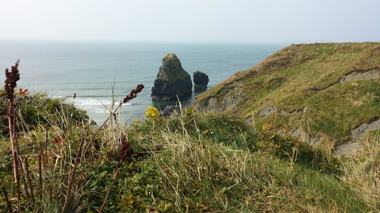 Nine Daughters Hole: Cliff walk view