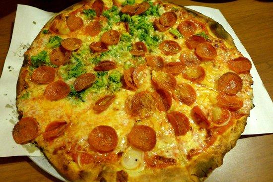 Modern Apizza : Pep and Broc