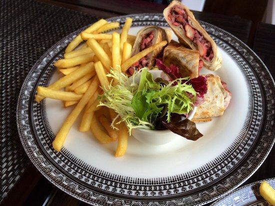 Ubhar Bistro: Shawarma Wrap