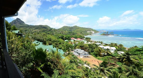 Villas de Jardin: Sicht auf Villas u. Port Glaud