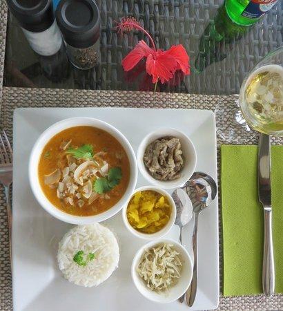 VERANDA Cafe: Octopus Curry