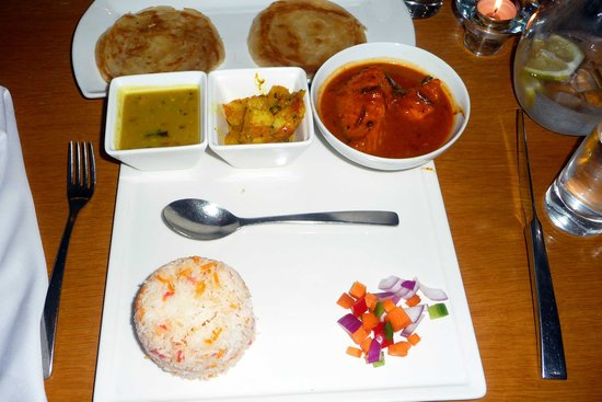 Simple, plain table settings - Picture of Raval Express Restaurant ...