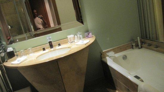 Hotel L'Ile de la Lagune : Salle de bain