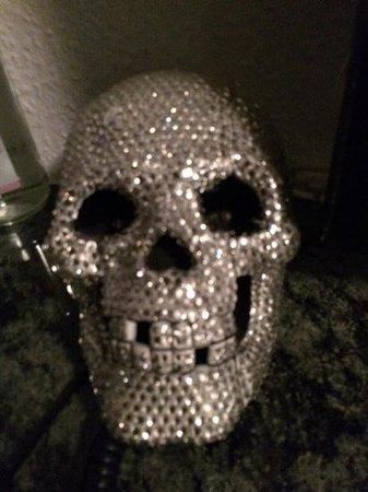Friends Hotel Düsseldorf: Lampe im Lady Gaga Zimmer