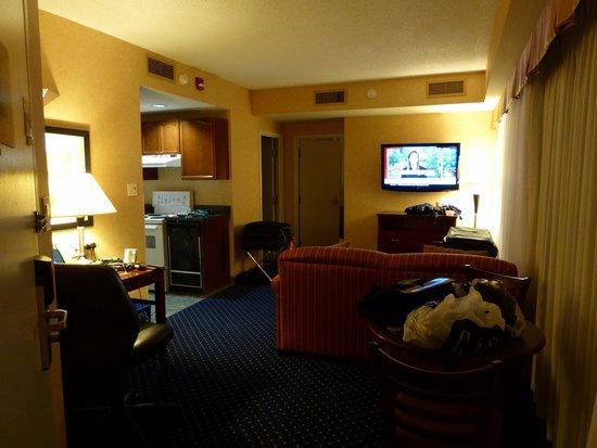 Best Western Plus Suites Downtown: lounge