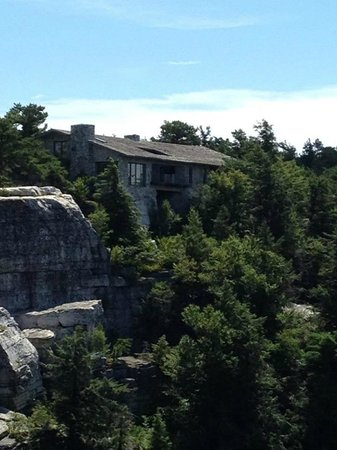 Minnewaska State Park Preserve: Private house built onto the rock.