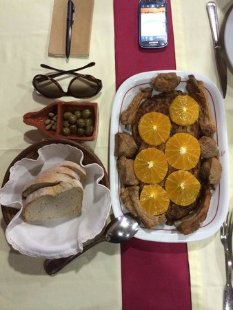 A talha de Azeite: Migas de espargos com carne de alguidar
