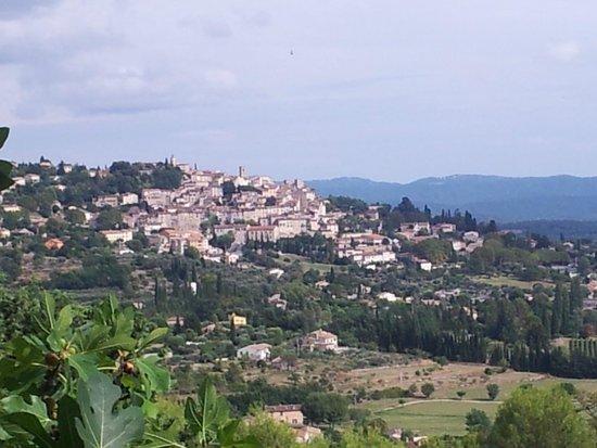 Le Castellaras : Vue superbe sur Fayence .