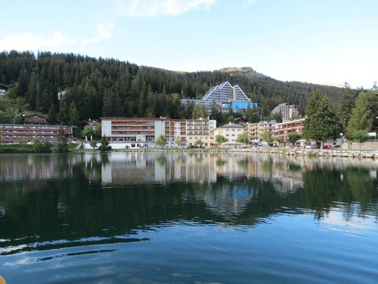 Hotel du Lac : The view from the front of the hotel