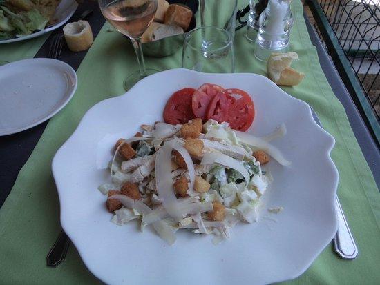 Restaurant L'Écluse : salade de poulet cesar