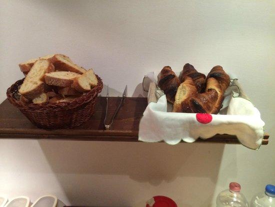 Lanterna di Marco Polo: 朝食のパン