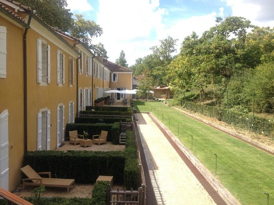 La Bastide : Zona posterior de habitaciones. Las suite tienen terraza particular