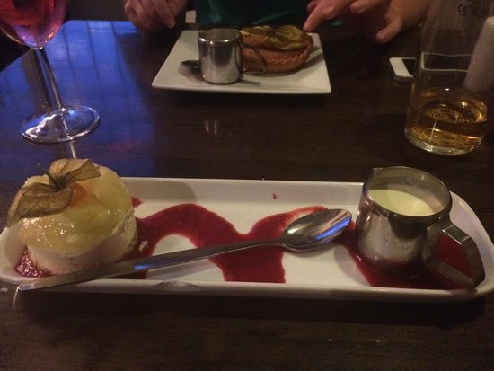 Apple cider cheesecake and treacle ale tart - Picture of The ...
