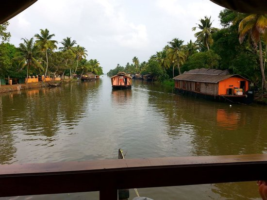 Vembanad Lake: upper deck