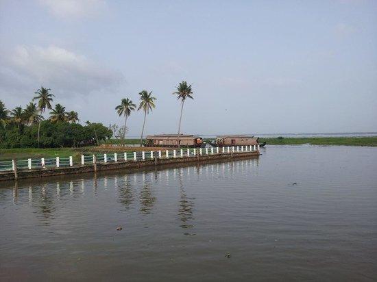 Vembanad Lake: Entering the Lake