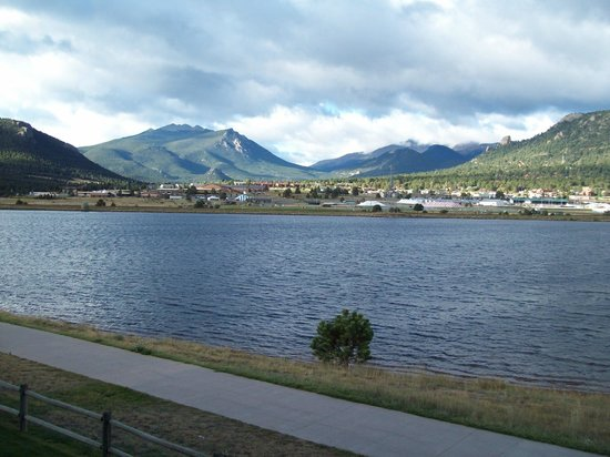 The Estes Park Resort: View of Lake Estes from room
