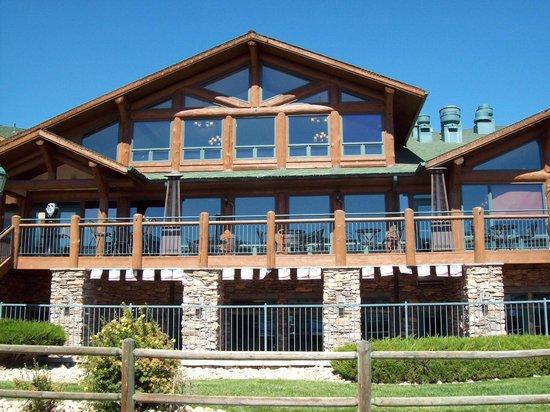 The Estes Park Resort: Resort exterior