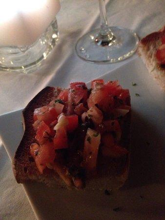 DaVinci Restaurant Nai Harn: Bruschetta was good!
