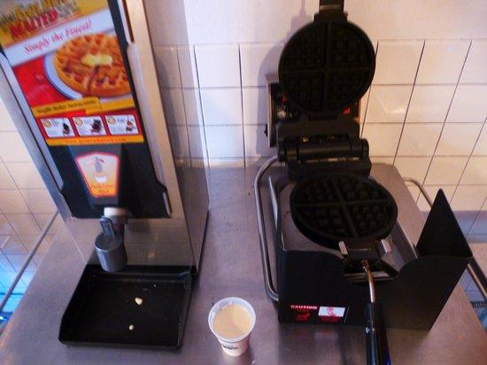 Ace Hotel: Waffles